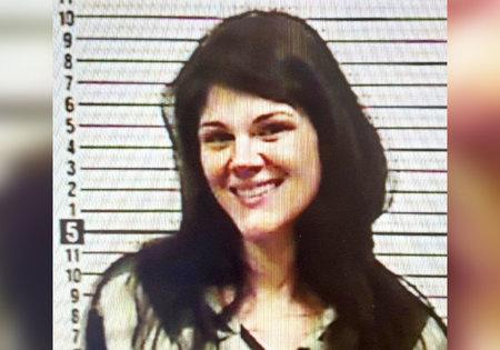 Mujer de Tennessee presuntamente mató a abuelos ancianos en un pueblo pequeño Doble asesinato