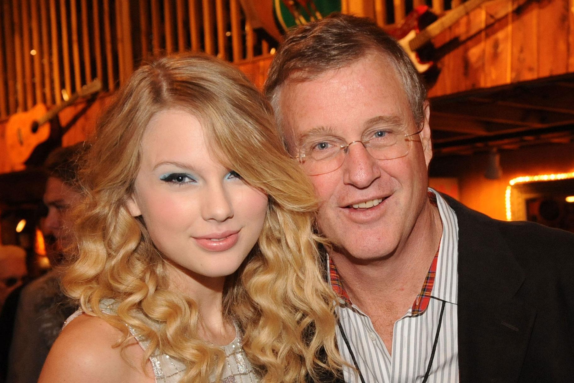 Taylor Swifti isa võitles väidetavalt mehega, keda süüdistati tema katusekorterisse sissemurdmises