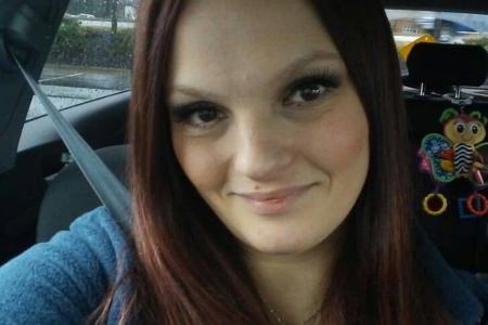 Майка е фатално предозирана с наркотици, след което е задушила бебето си до смърт, твърди полицията