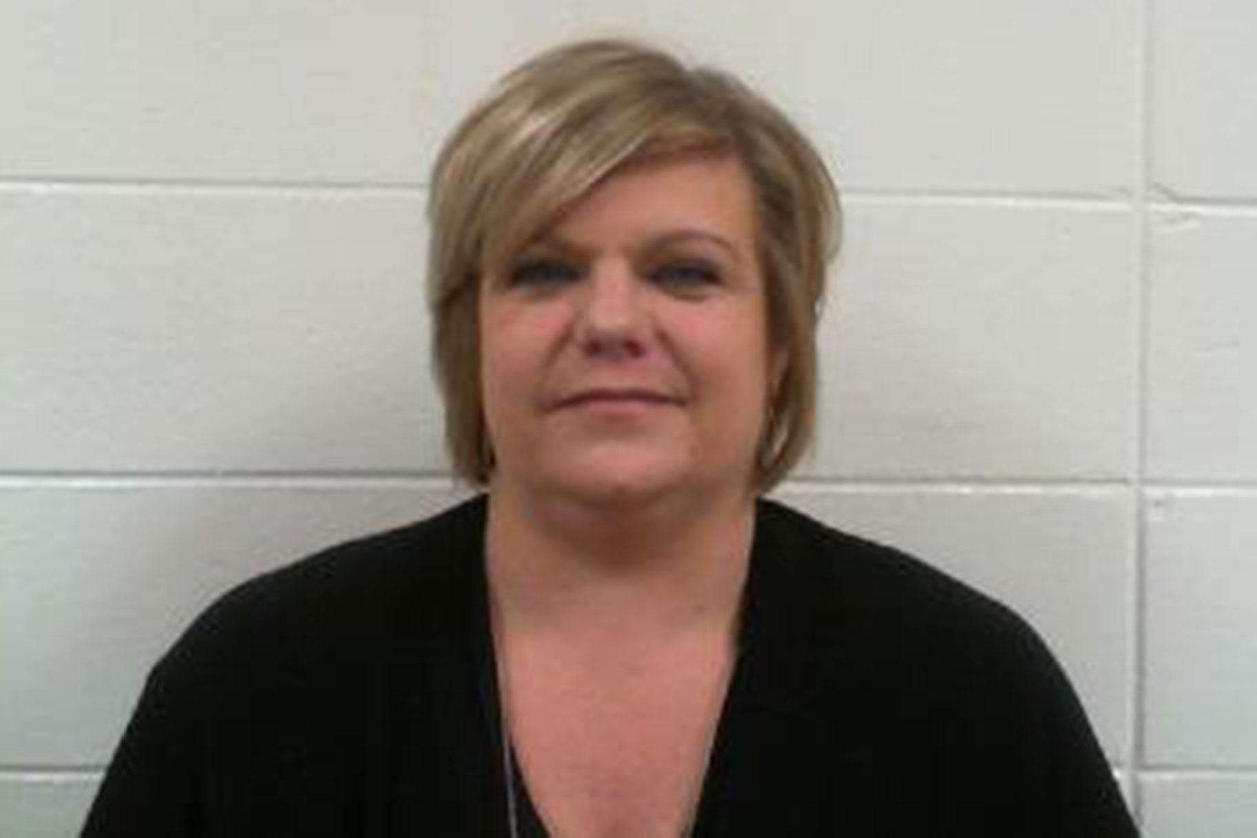 Alabama Woman Falsified drug Screening Resulta Na Gastos sa Mga Pamilya sa Pag-iingat ng Mga Bata