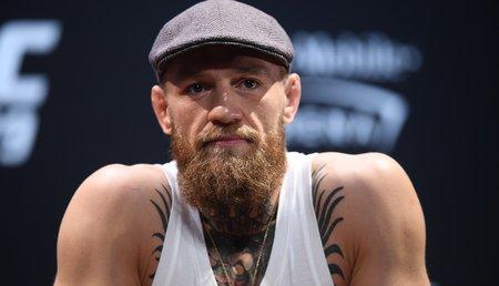 אישה מגישה תביעה המאשימה את לוחם ה- UFC קונור מקגרגור באונס