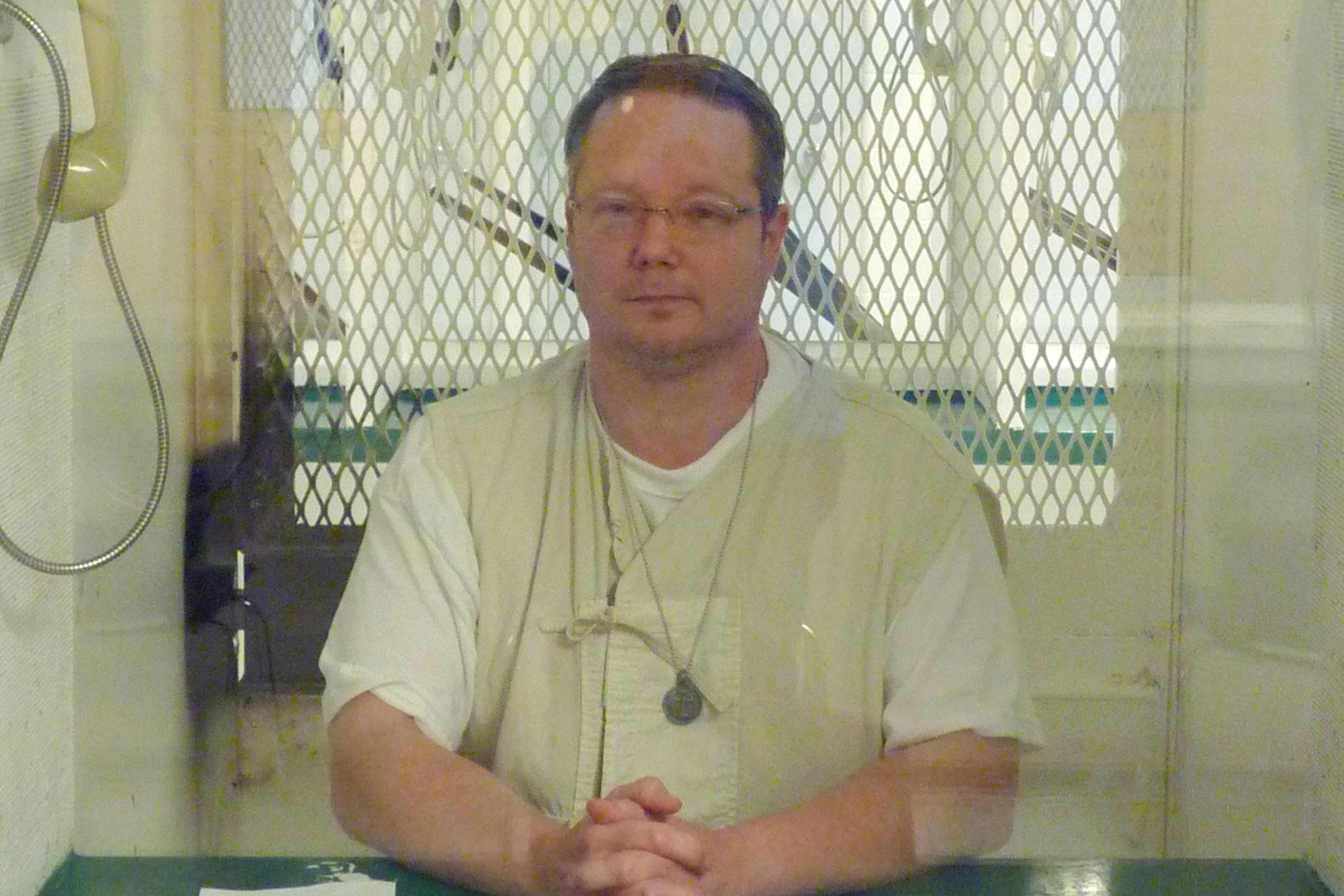 Ο πρώην δικαστής του Τέξας συγκέντρωσε όπλα, Napalm πριν σκοτώσει 2 εισαγγελείς στο Brutal Revenge Plot