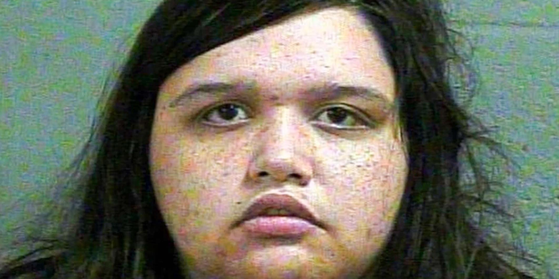 Η γυναίκα του Τέξας φέρεται να σκοτώνει συγκάτοικο, να βάζει φωτιά στο σπίτι του για τον αρραβωνιαστικό