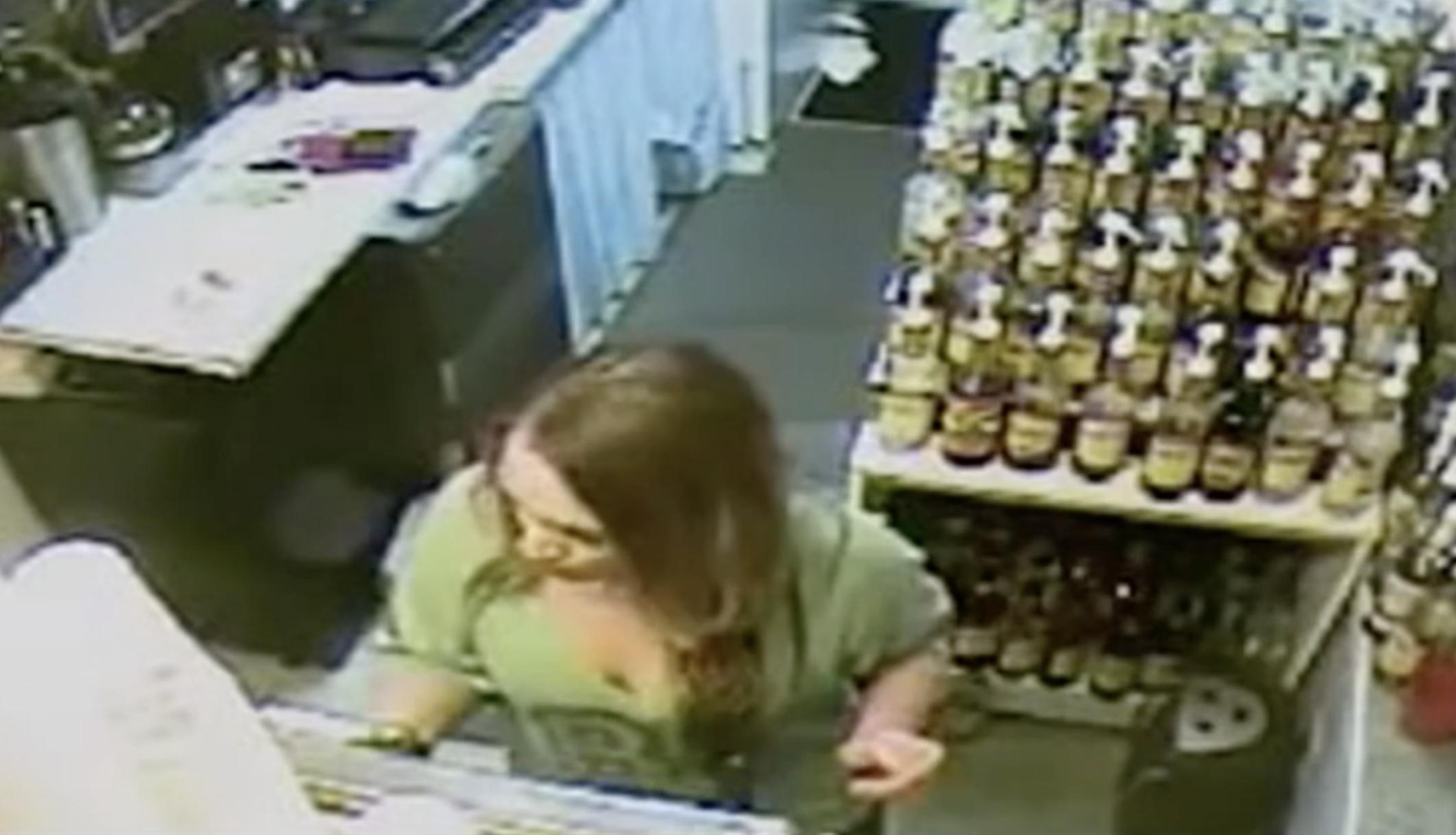 צפו בסרטוני מעקב אחר רוצח סדרתי מפתחות ישראל שחוטפים את קורבנו הסופי הידוע