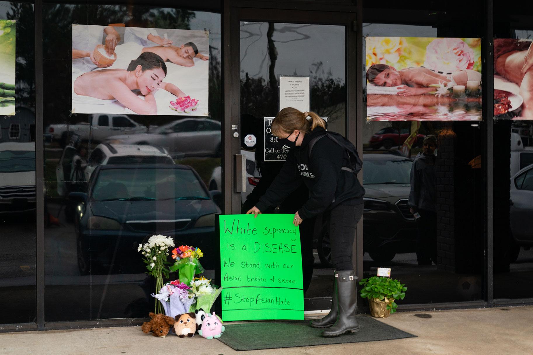 'Más dulce, más bondadoso': Surgen nuevos detalles sobre las víctimas de los tiroteos en el salón de masajes de Atlanta