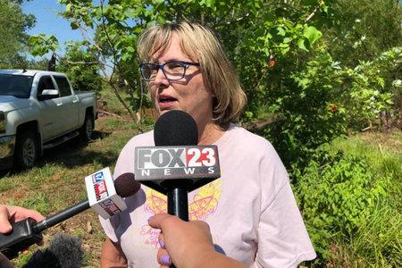 Η υπόθεση Mother Of Murdered Teen In 'Hell in the Heartland' ζητά βοήθεια για τον εντοπισμό του σώματος του παιδιού καθώς το συκώτι της αποτυγχάνει