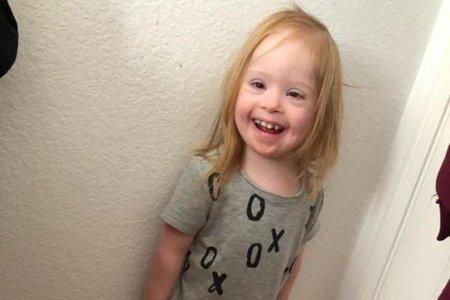 Мъж от Калифорния, обвинен в убийството на 4-годишно дете със синдром на Даун, след като тя го прекъсна