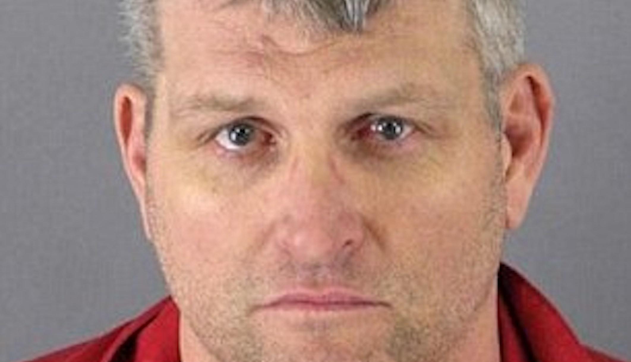 10 seriemordere, der efterlod forstyrrende telefonkort i deres kriminelle scener
