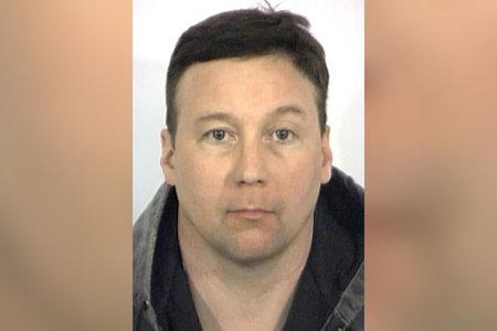 Hombre de Indiana acusado de que su familia fue asesinada mientras el asesino caminaba libre durante años