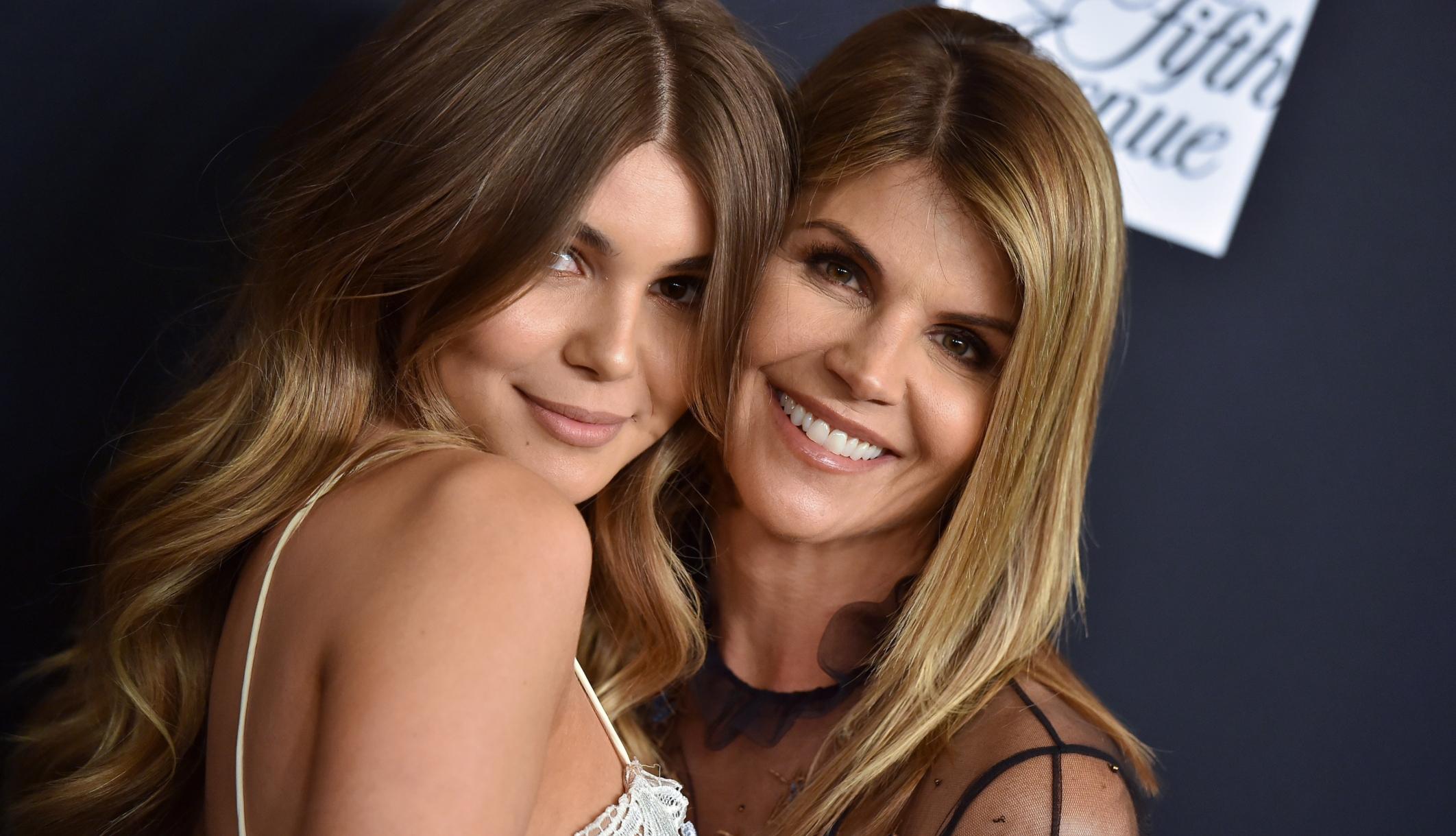 La filla de Lori Loughlin, Olivia Jade, era al iot de luxe de l'oficial de la USC quan es van produir notícies de l'escàndol