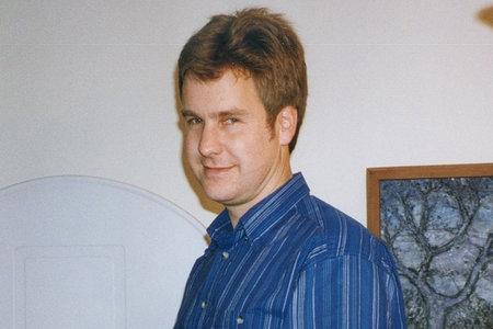 Mees tappis oma venna ja õe vägivaldses vägivaldses aktis