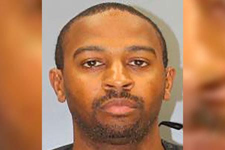Šerifi asetäitja nimetas koletiseks pärast seda, kui ta väidetavalt patrullautos seksis alaealiste keskkooliõpilastega