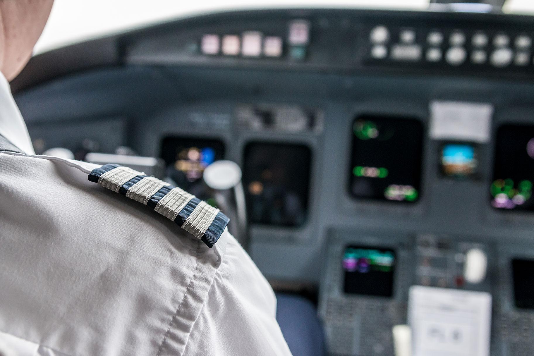 Millonario condenado a 7 años después de poner el avión en piloto automático por actos sexuales con un adolescente