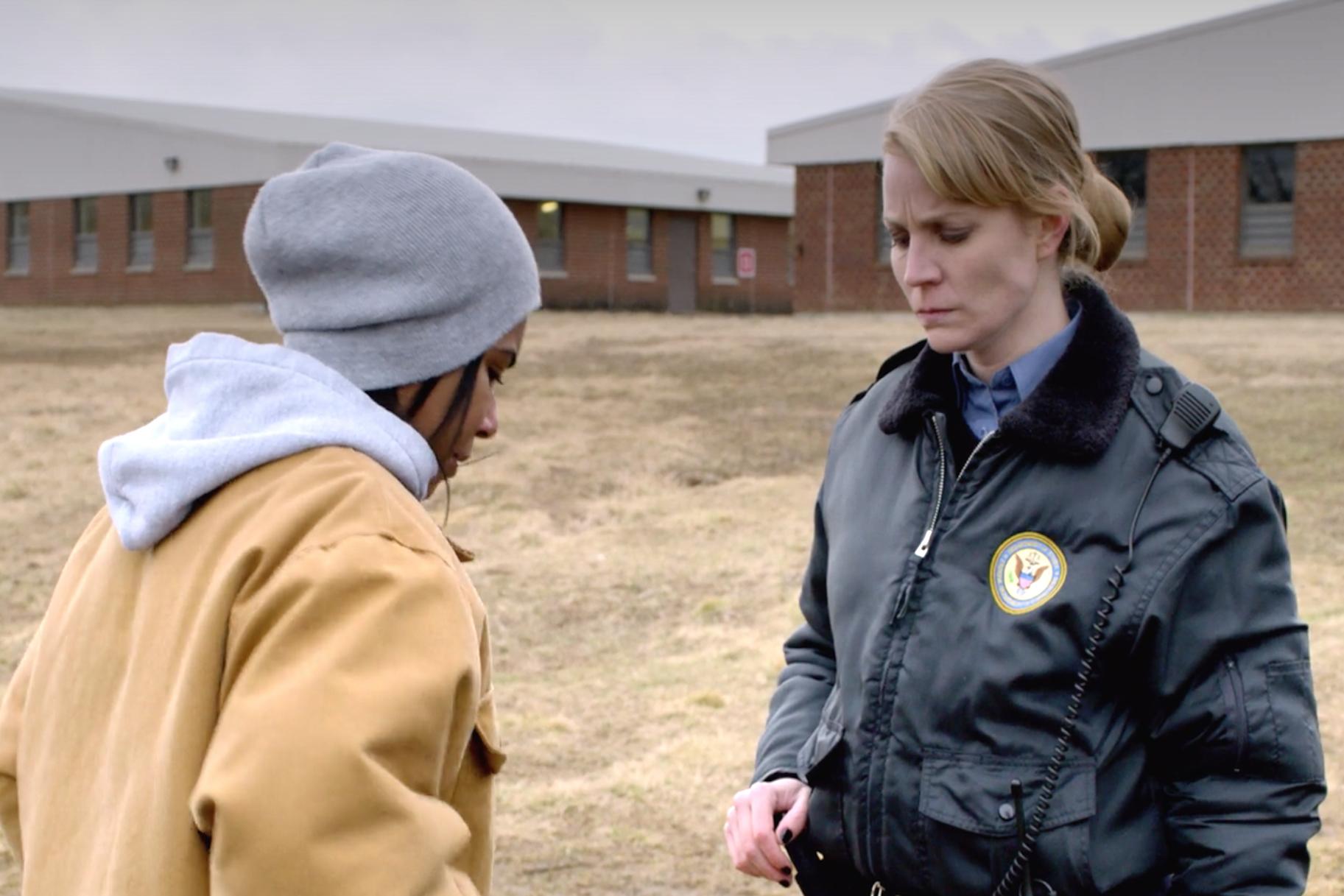 Vangid pole ainsad vanglatrauma ees - parandusametnikud, nagu Artesian McCullough filmist 'Orange Is the New Black', kannatavad ka