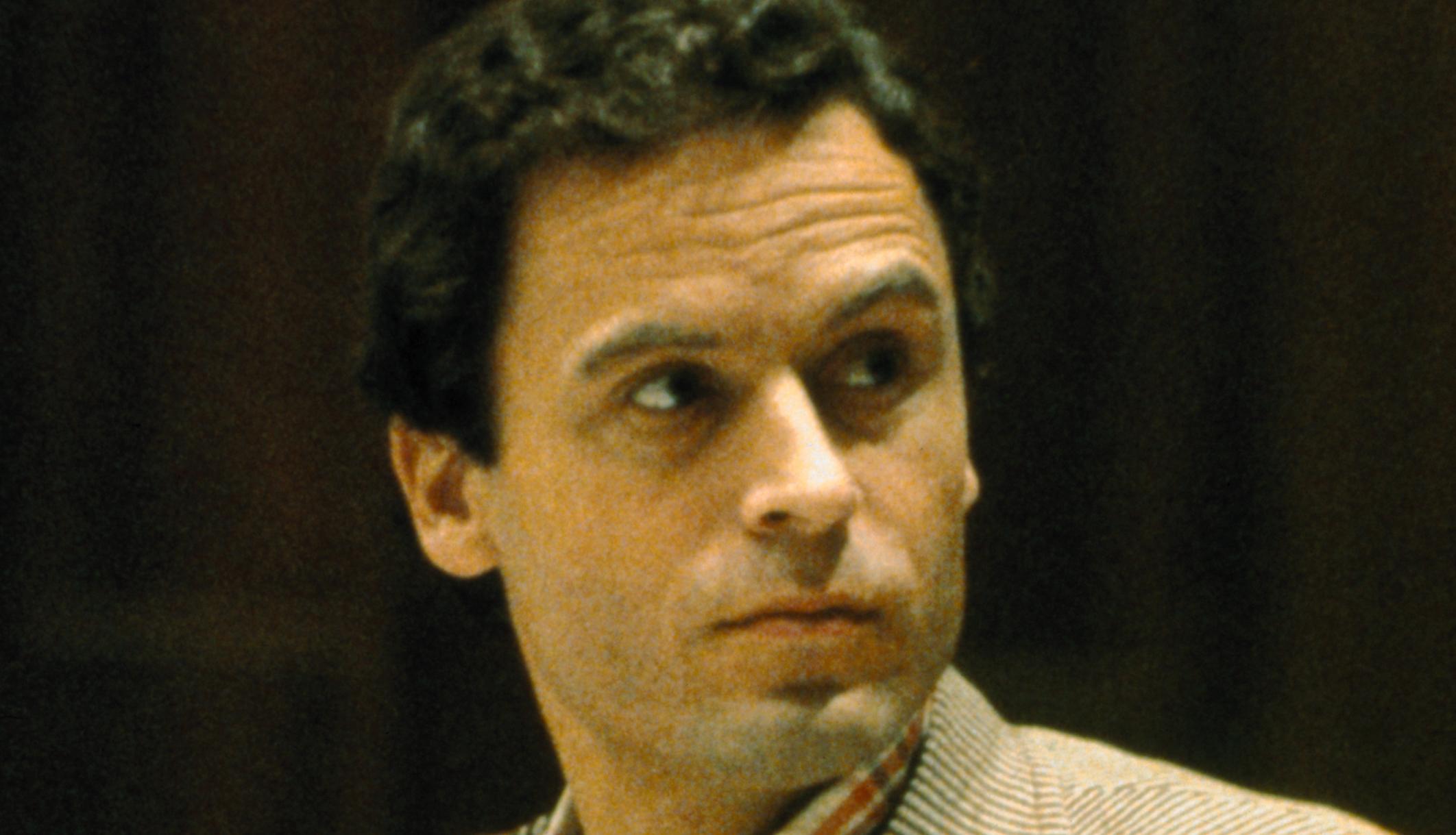 Sí, Ted Bundy era padre. ¿Cuantos niños tuvo el?