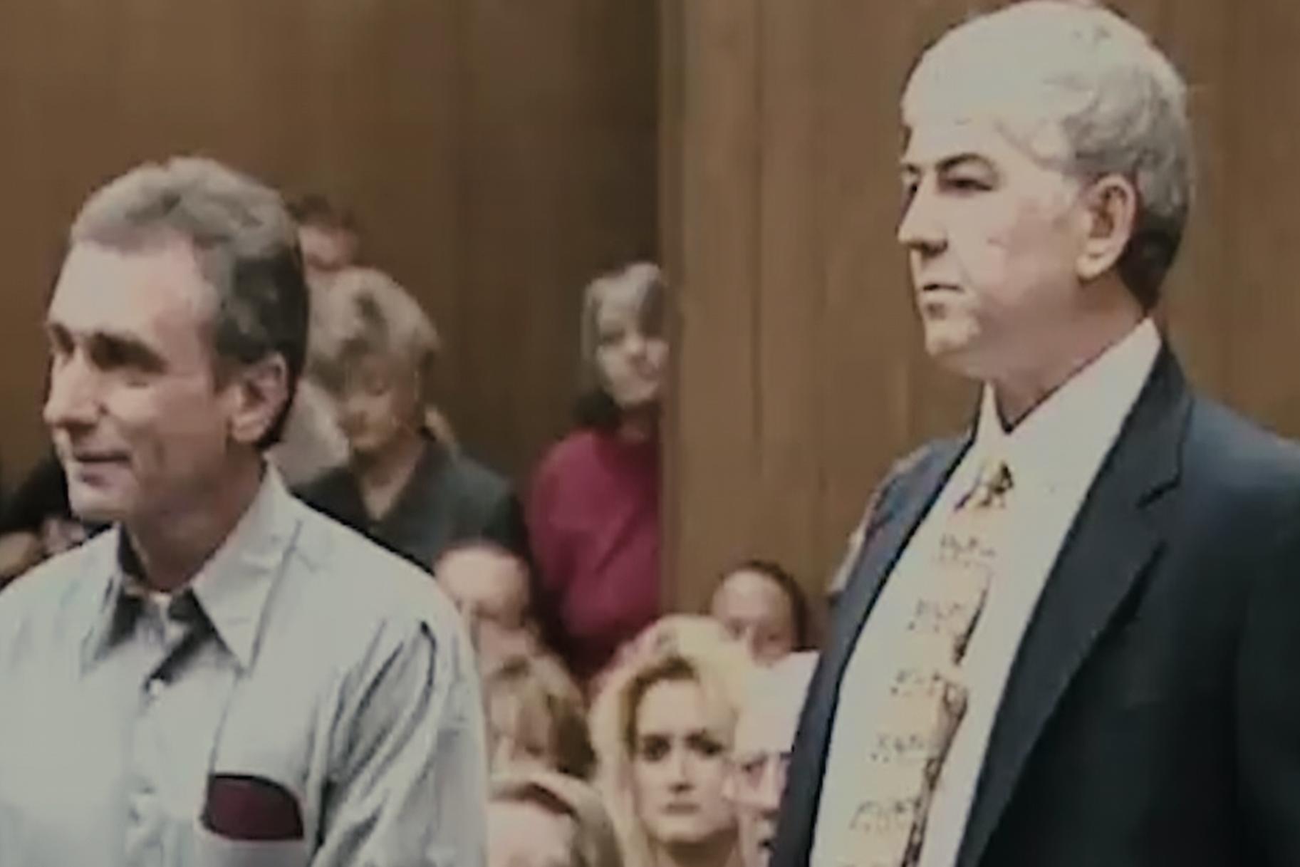 Netflix lanza el primer tráiler de la serie documental 'The Innocent Man' basada en el libro de John Grisham