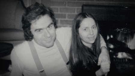 El escondite desnudo y las travesuras peligrosas del lago: la hija de la novia de Ted Bundy detalla incidentes inquietantes en el libro