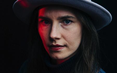 Des de 'Foxy Knoxy' fins a 'Scarlet Letter' Activista: com és la vida d'Amanda Knox avui