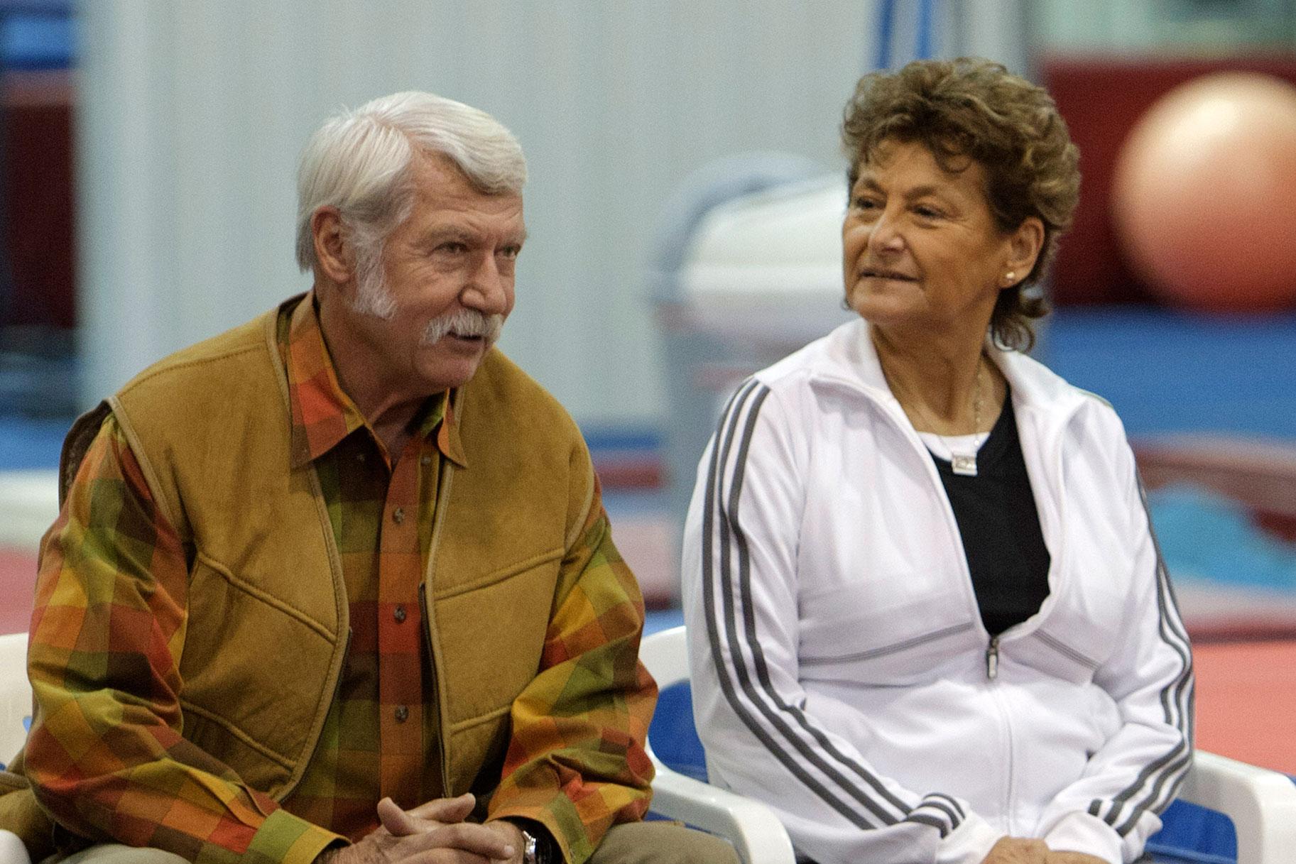 ¿Cómo se relaciona la pareja más famosa de gimnasia, los Karolyis, con el abusador sexual Larry Nassar?