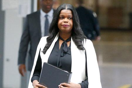 Kes on Kim Foxx ja kuidas on ta seotud R. Kelly juhtumiga?