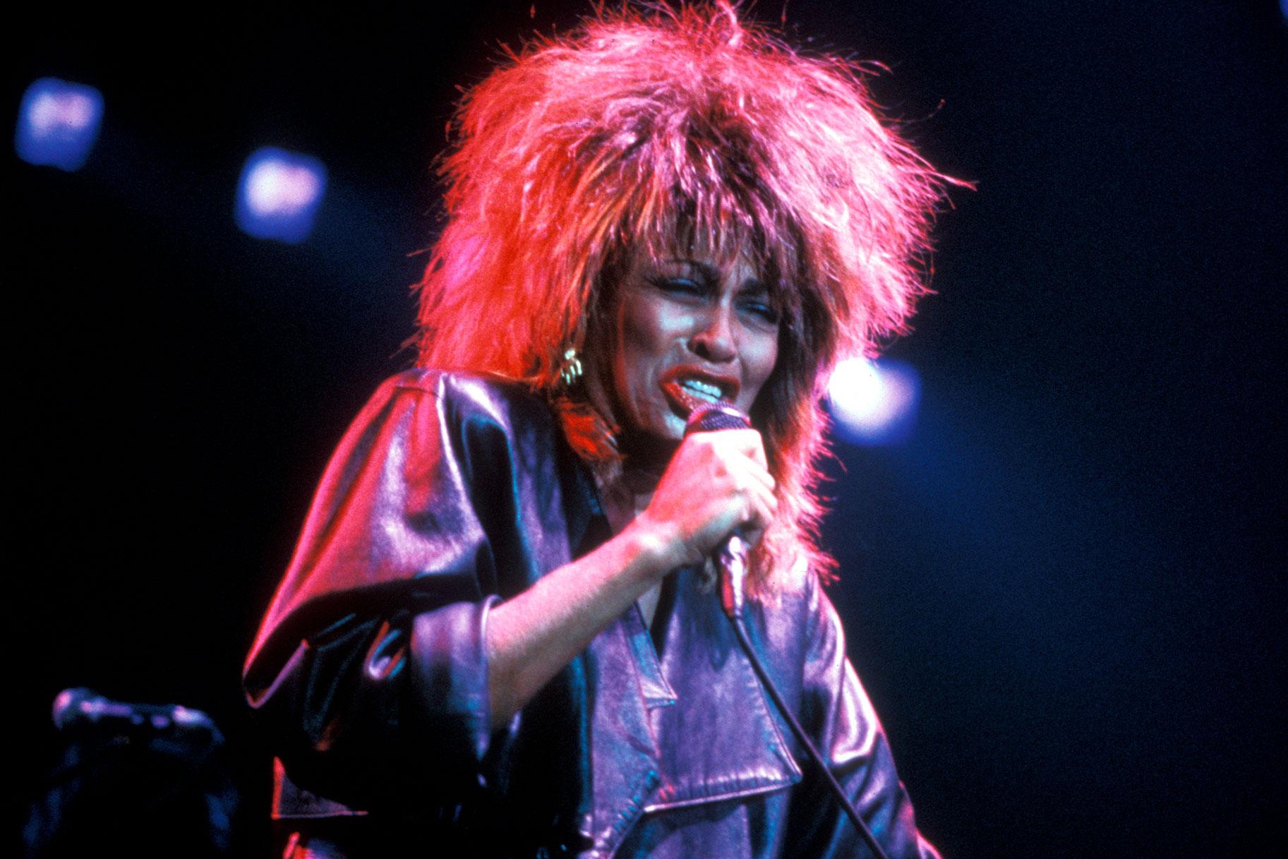 Tina Turner se negó a permitir que el espectro del abuso doméstico que sufrió eclipsara su vida y talento