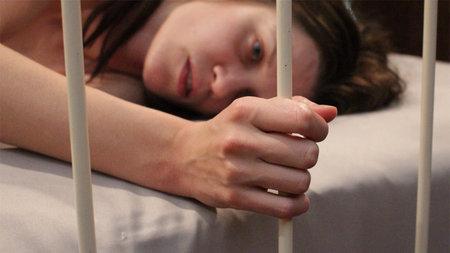 Η ταινία «Διαμέρισμα 407» της Frida Farrell ερευνά την ιστορία της πραγματικής σεξουαλικής δουλείας της