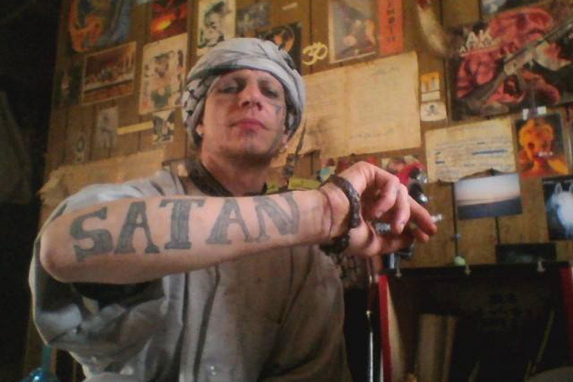 Τα εγκλήματα του Satan-Worshiping Killer Pazuzu Algarad εξετάζονται στο «The Devil You Know»