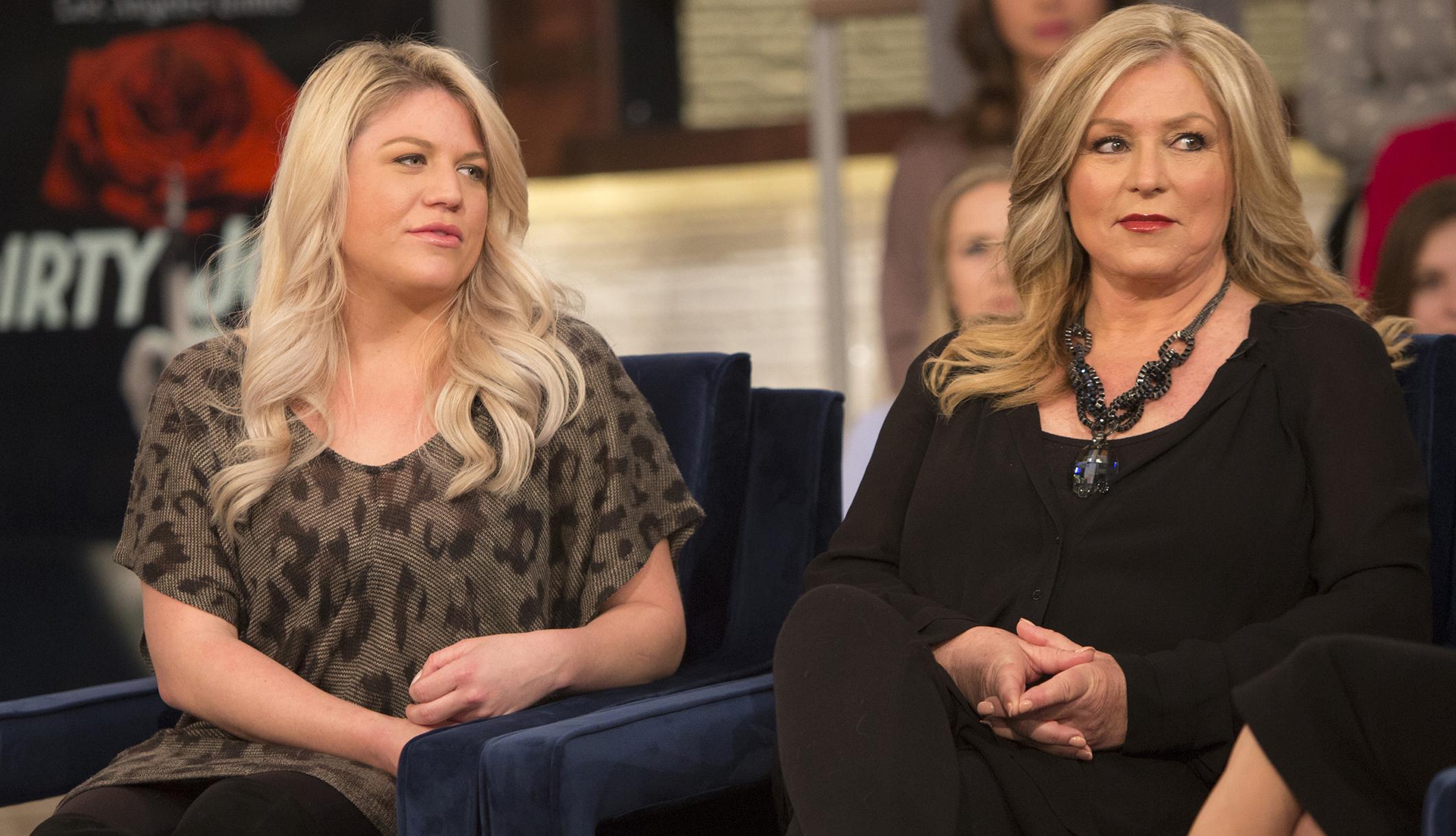 7 cosas que hicieron que las hijas de Debra Newell sospecharan de 'Dirty John'