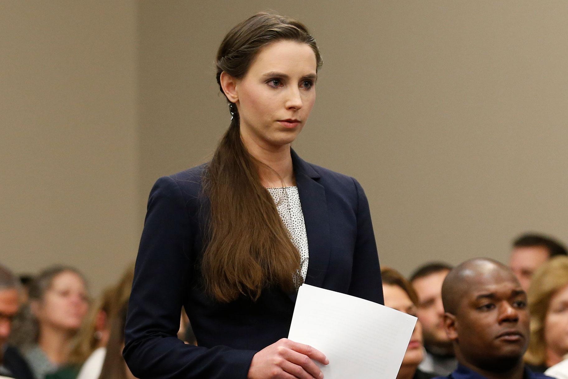 איפה רחל דנהולנדר, האישה הראשונה שדיברה בפומבי נגד לארי נסאר, עכשיו?