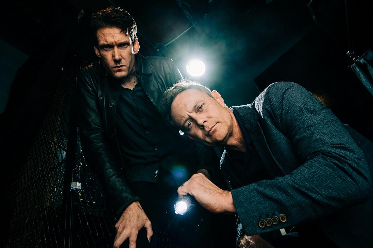 Paul Holes y Billy Jensen buscan un escuadrón que los ayude a resolver crímenes