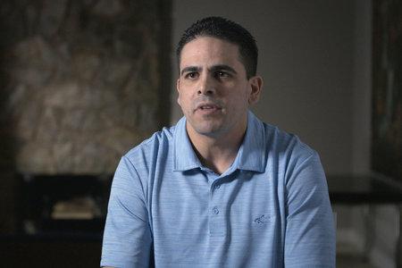 Hvem er Dennis SanSoucie, den tidligere quarterback, der hævder, at han havde et forhold til Aaron Hernandez?