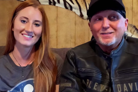 ¿Quién es la niñera 'sexy' de la que hablan Jeff Lowe y su esposa en el programa posterior de 'Tiger King And I'?