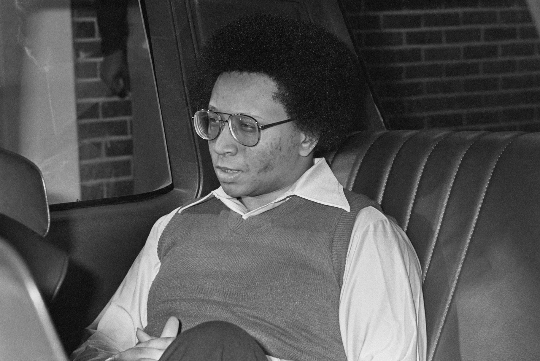 ¿Quién es Wayne Williams y cuál es su conexión con los asesinatos de niños en Atlanta?