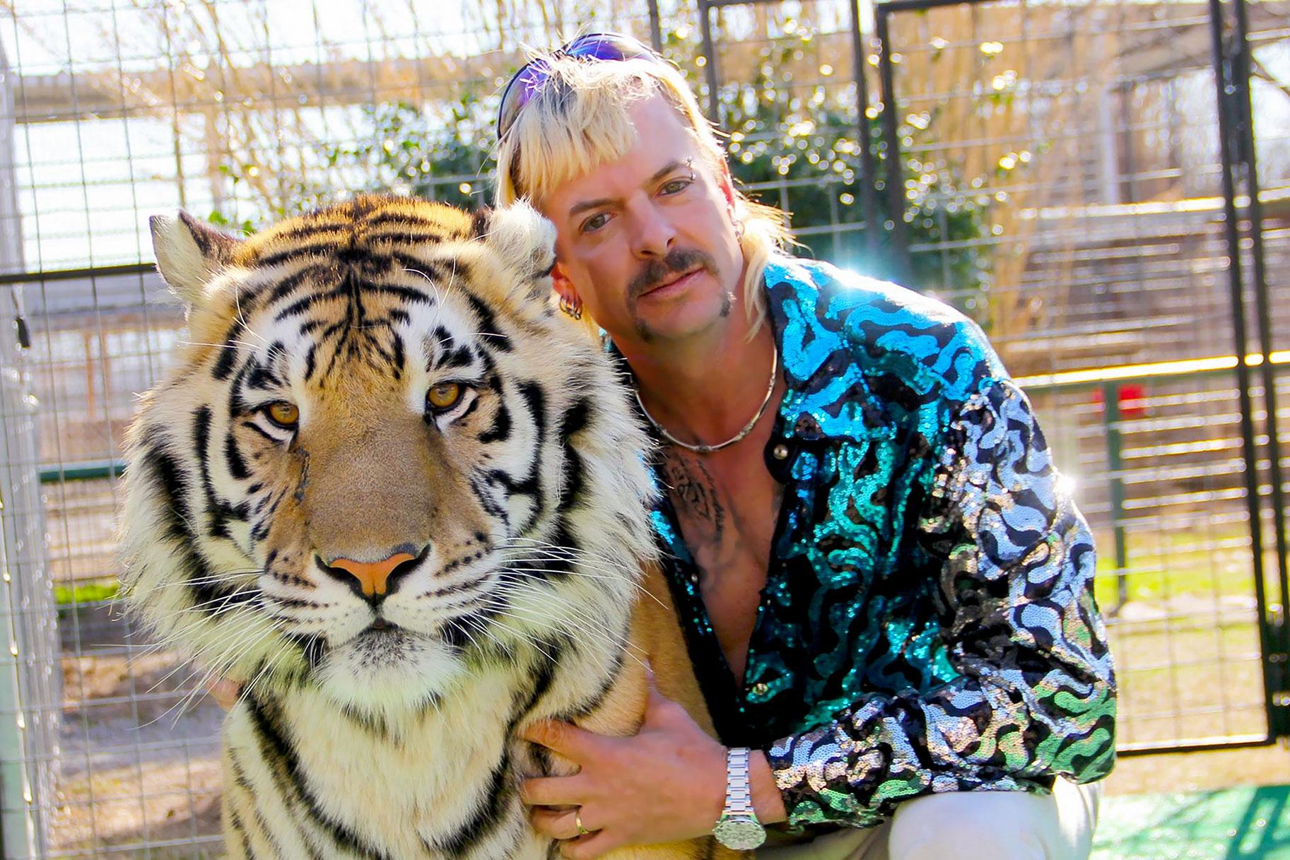 Er det virkelig lovligt at købe en masse løver og tigre som Joe Exotic og starte en privat zoologisk have?