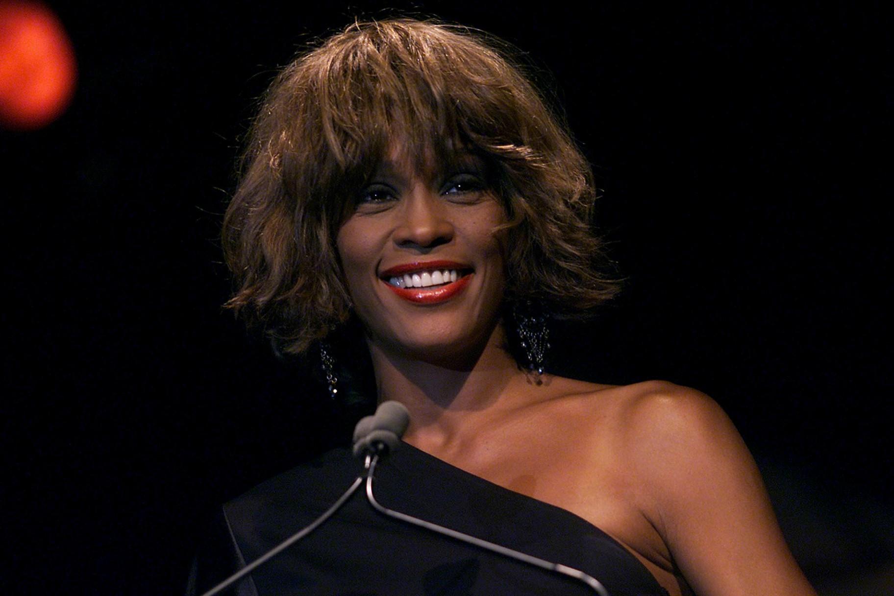 El nebot de Whitney Houston, lletra explosiva sobre la família Houston